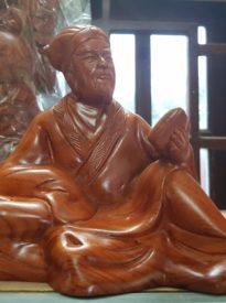 Khổng Minh Ngồi gỗ Hương