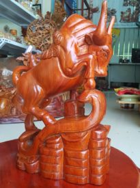 Bò Tót gỗ Hương Ta